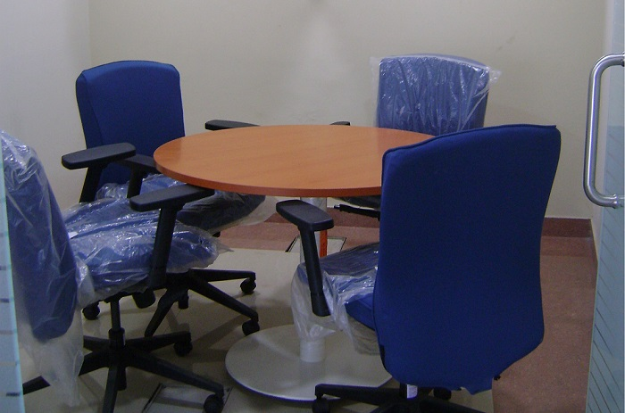 4 Seater Discussion Room